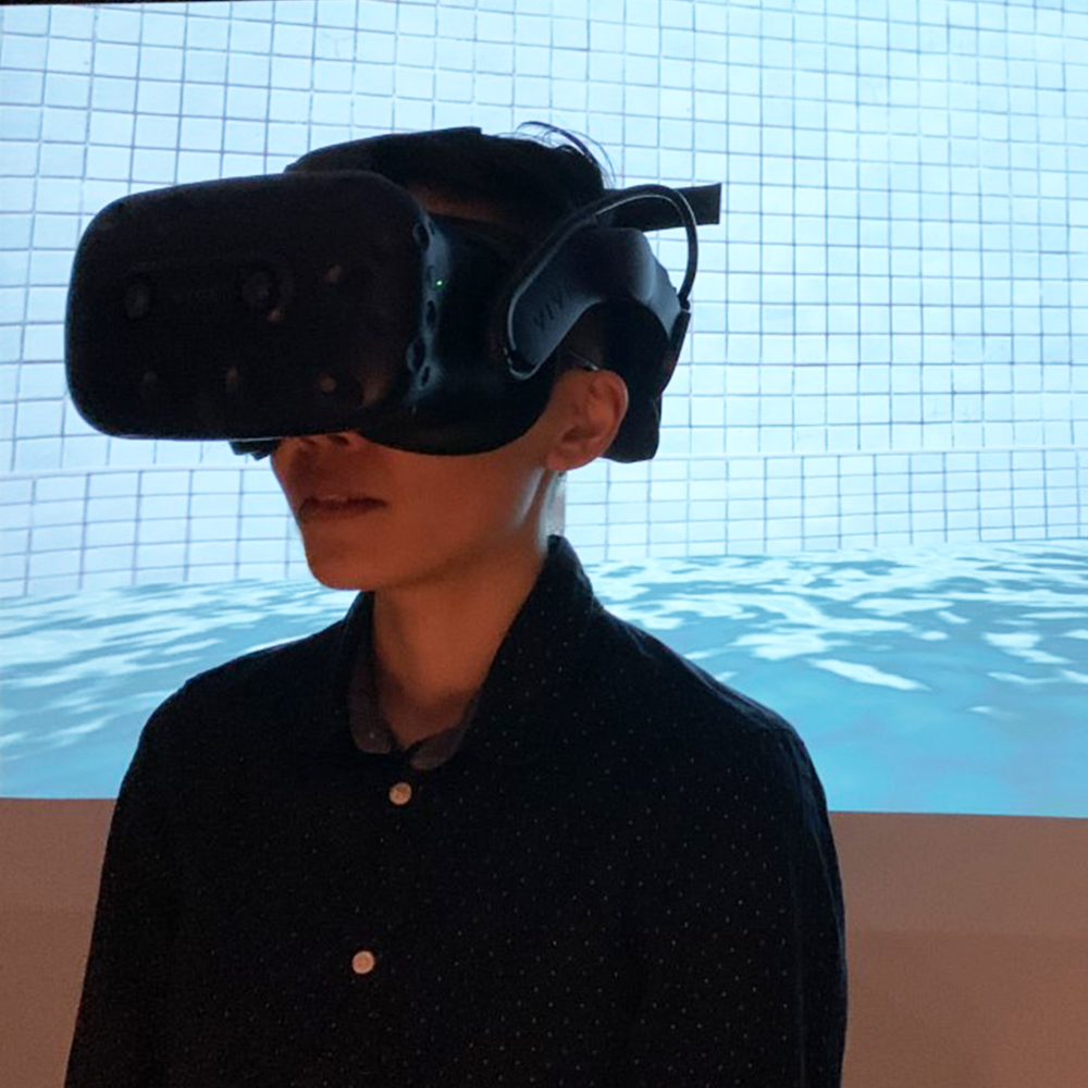 Participant in VR Heaset